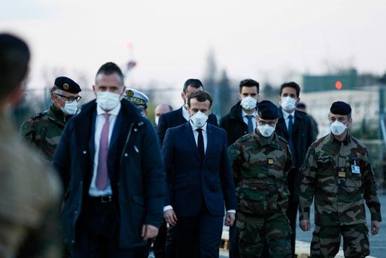 الرئيس الفرنسى لدى وصوله إلى المستشفى الميدانى