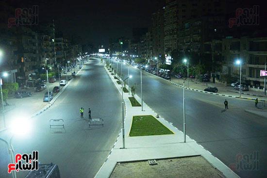 شوارع-القاهرة-خالية-إلا-من-الخدمات-الأمنية