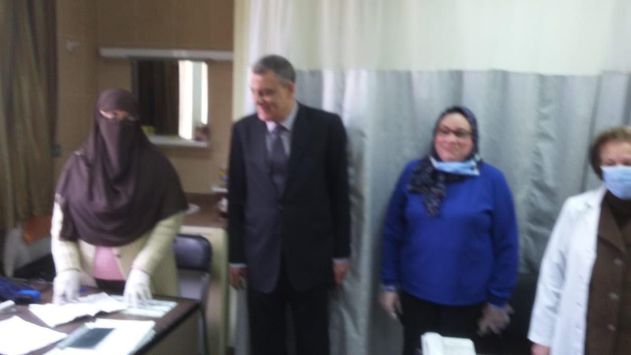 جولة مدير فرع التأمين الصحى فى بنى سويف (4)