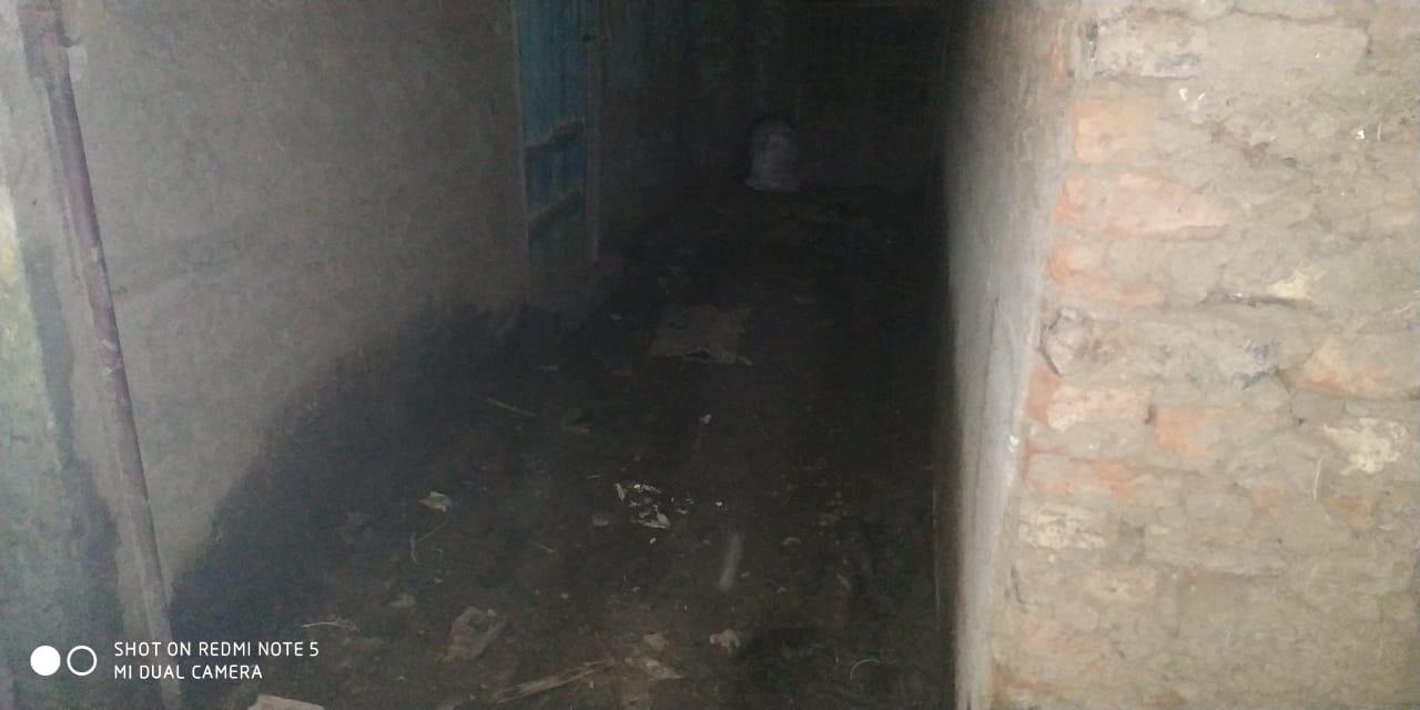 مواطن من الغربية يعيش في منزل آيل للسقوط (2)