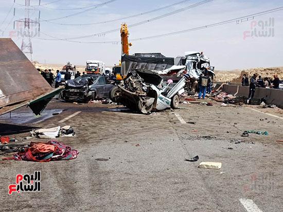 تهشم-سيارات-نتيجة-للحادث