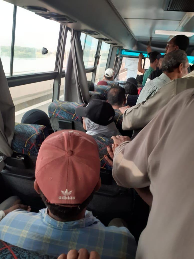 زحام وسائل النقل بمدينة أسوان الجديدة (1)