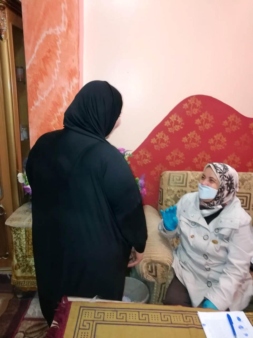 خالد أبوبكر تحدى وزيرة الهجرة.. ونبيلة مكرم تلقت تبرعا بـ 100 ألف دولار (10)