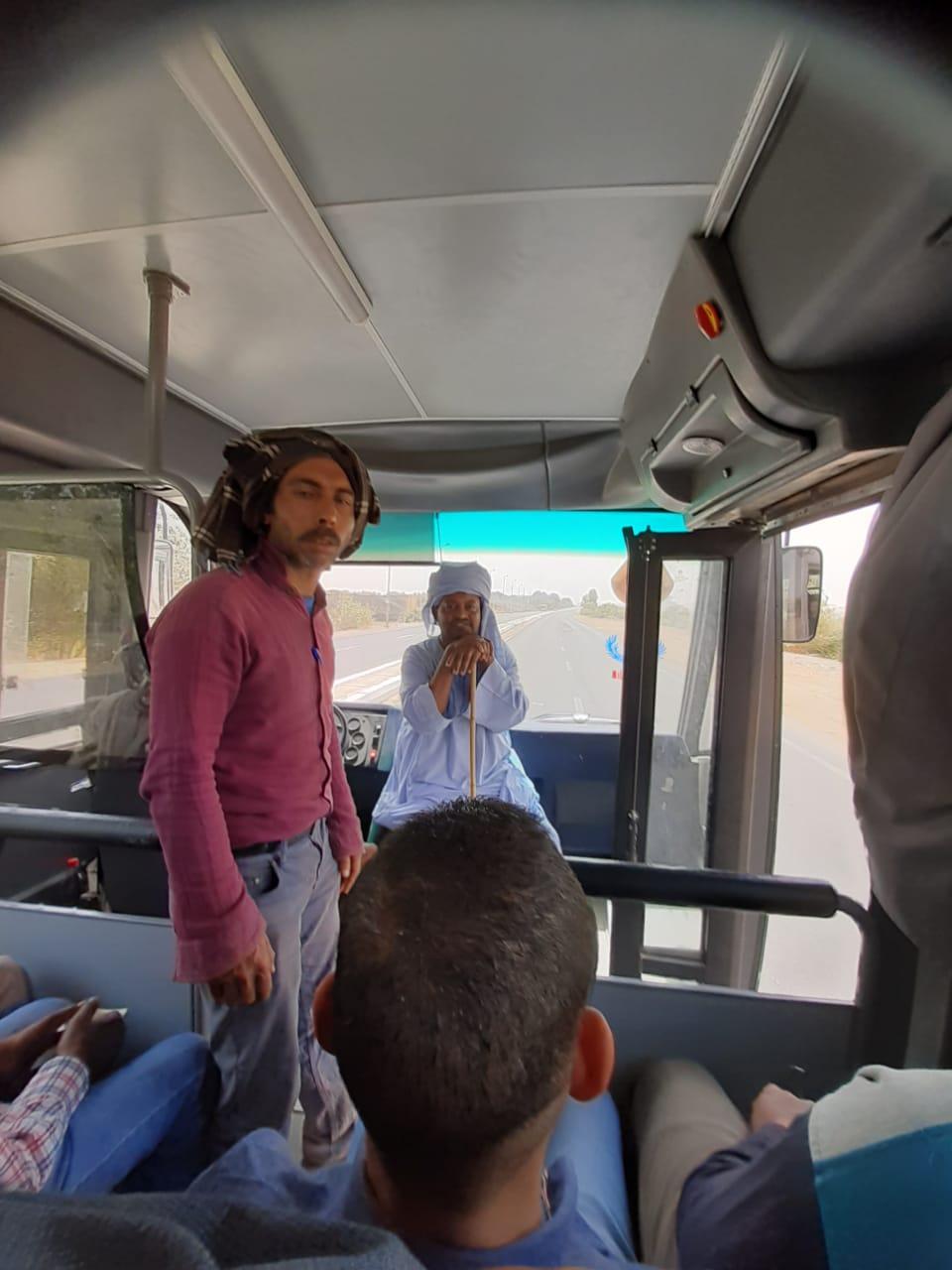 زحام وسائل النقل بمدينة أسوان الجديدة (4)