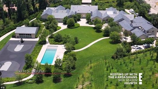 منزل كيم كاردشيان يضم حمام سباحة وملعب سلة