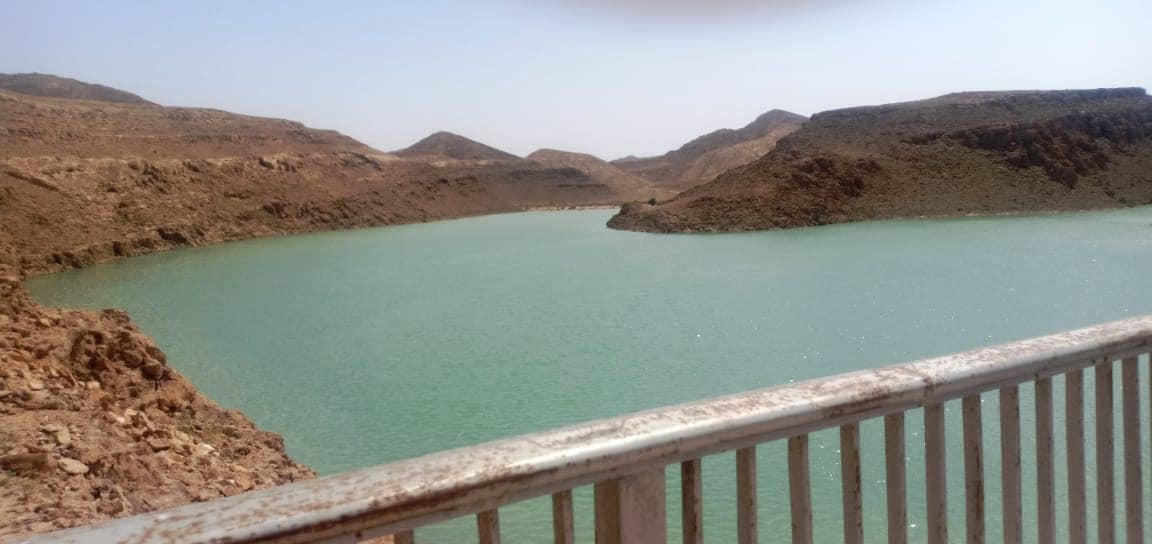 تخزين مليون متر مكعب من مياه السيول بسد الكرم بوسط سيناء (3)