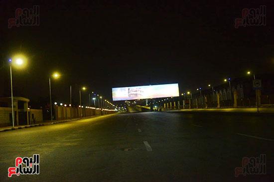 أحد الشوارع الرئيسية بعد تطبيق حظر التجوال