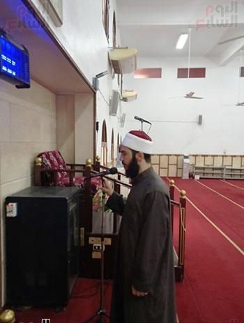 غلق أبواب المساجد  (8)