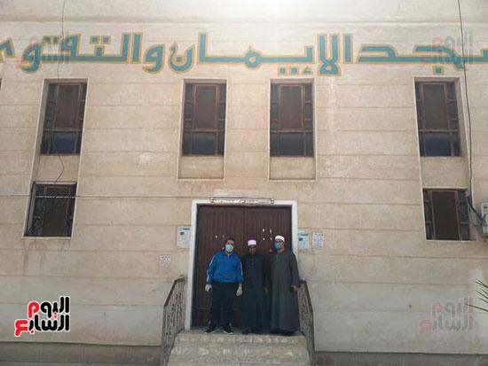 غلق أبواب المساجد  (17)