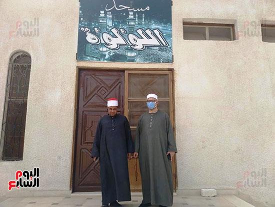 غلق أبواب المساجد  (15)