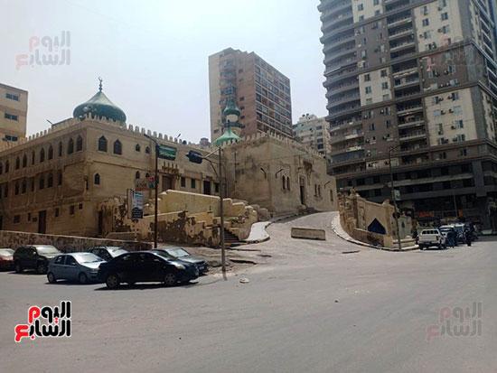 غلق أبواب المساجد  (9)