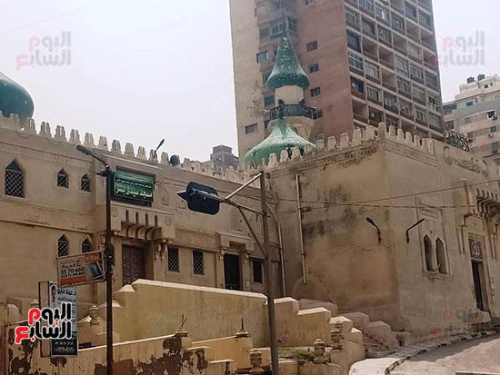غلق أبواب المساجد  (6)