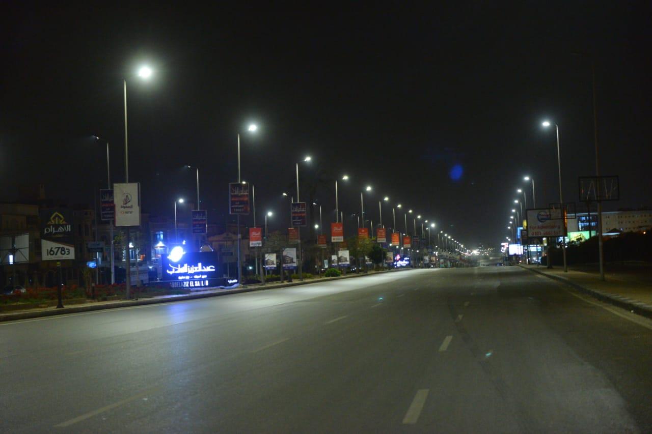 شوارع مصر الجديدة والتجمع بدون مارة (13)