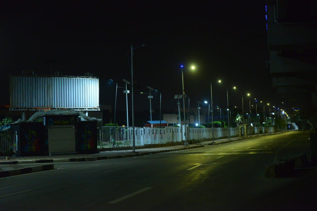 شوارع مصر الجديدة والتجمع بدون مارة (4)