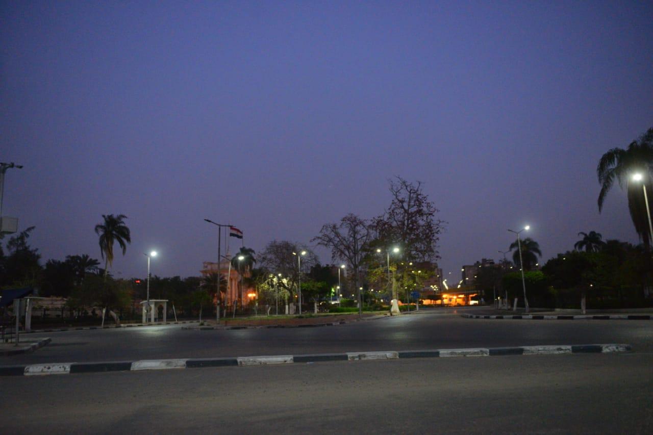 شوارع مصر الجديدة والتجمع بدون مارة (10)