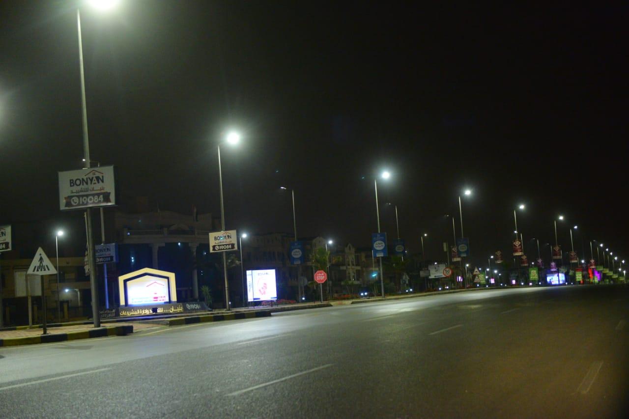 شوارع مصر الجديدة والتجمع بدون مارة (7)