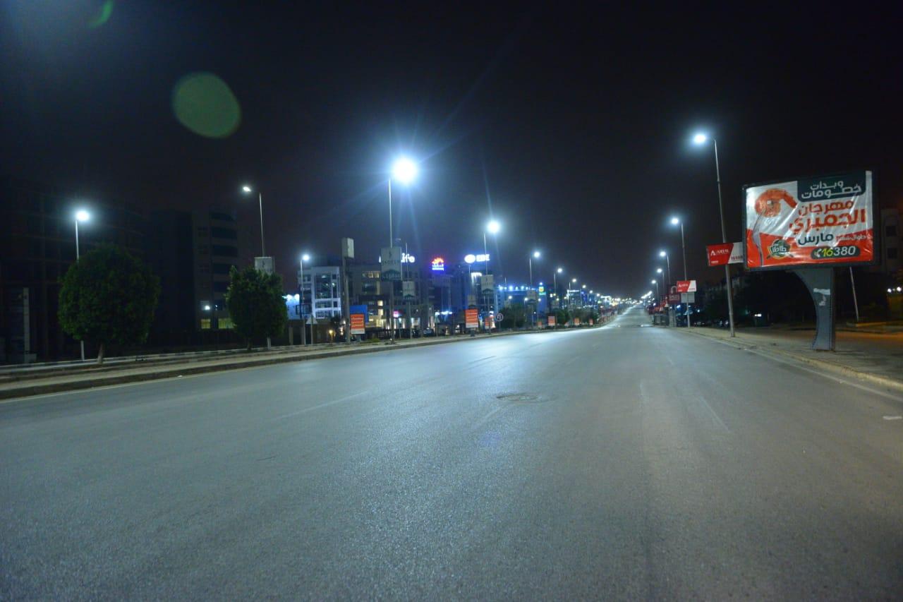 شوارع مصر الجديدة والتجمع خالية