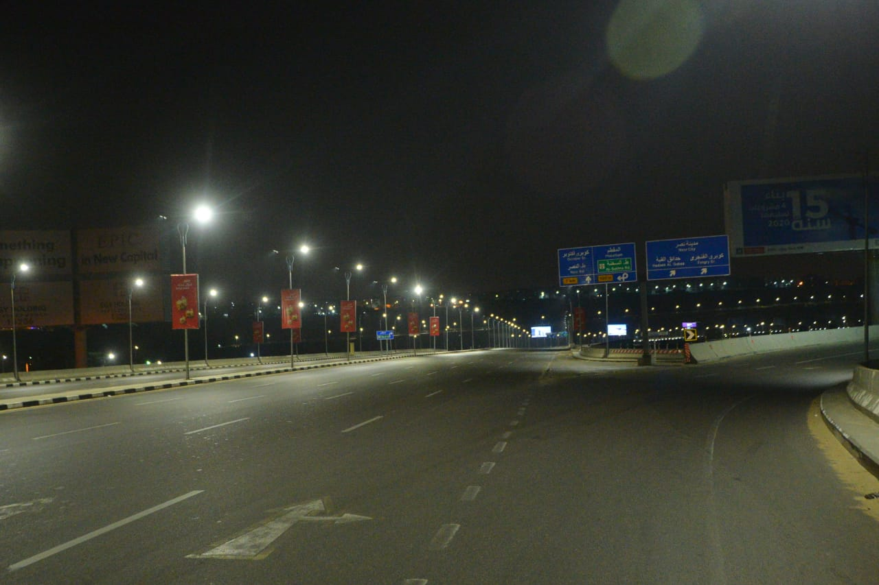 شوارع مصر الجديدة والتجمع بدون مارة (15)