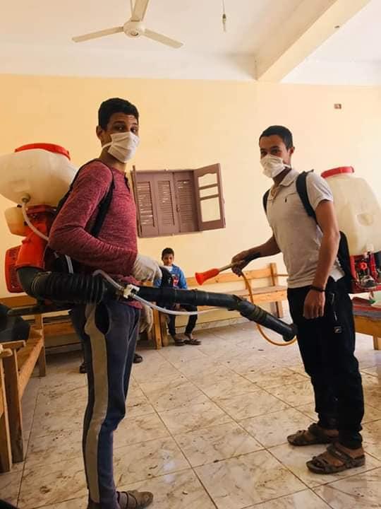 6 شباب قرى ابوتشت وفرشوط ينظمون حملات تعقيم وتوعية