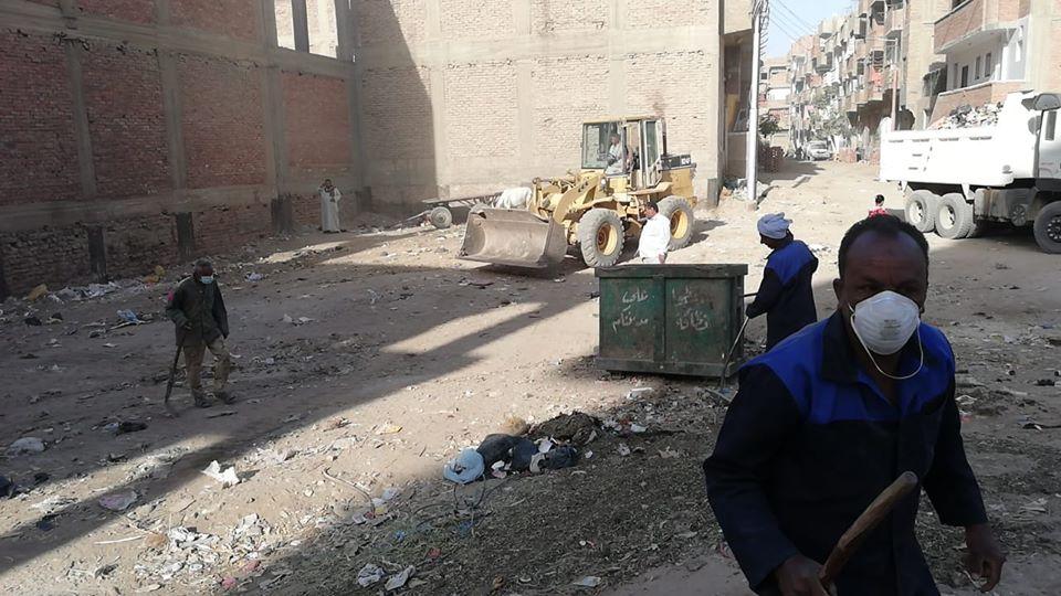 حملات النظافة والتجميل بشوارع قرى إسنا