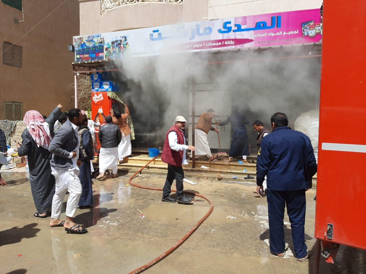 إخماد حريق نشب في أحد المحلات بمدينة الضبعة  (6)