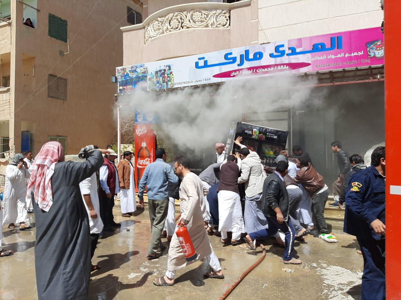 إخماد حريق نشب في أحد المحلات بمدينة الضبعة  (7)