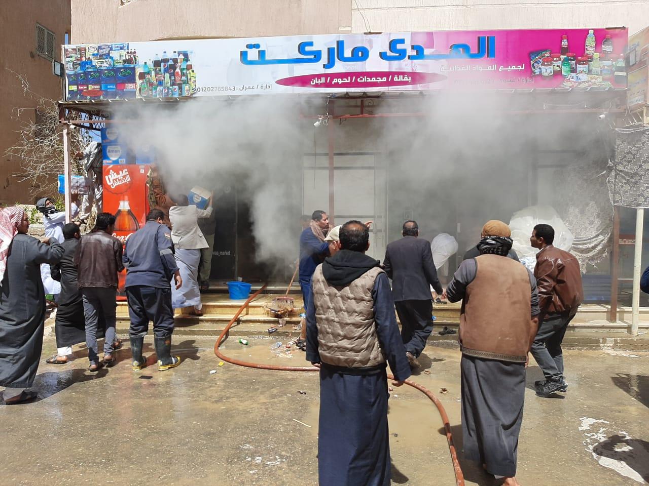 إخماد حريق نشب في أحد المحلات بمدينة الضبعة  (1)