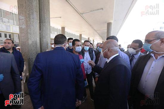 جولة وزير النقل علي محطة مصر