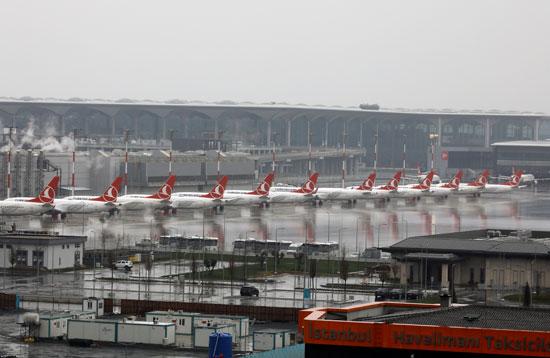 تكدس الطائرات بمطار اسطنبول