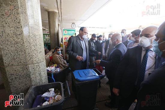 أعمال التعقم لمحطة مصر بحضور وزير النقل