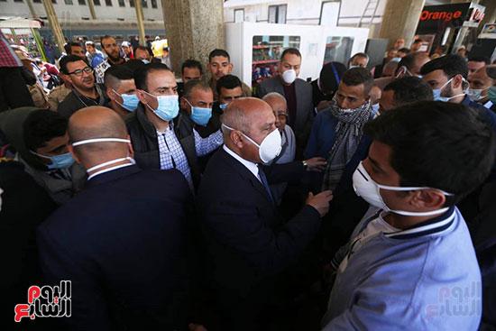 جولة وزير النقل علي محطة مصر (2)