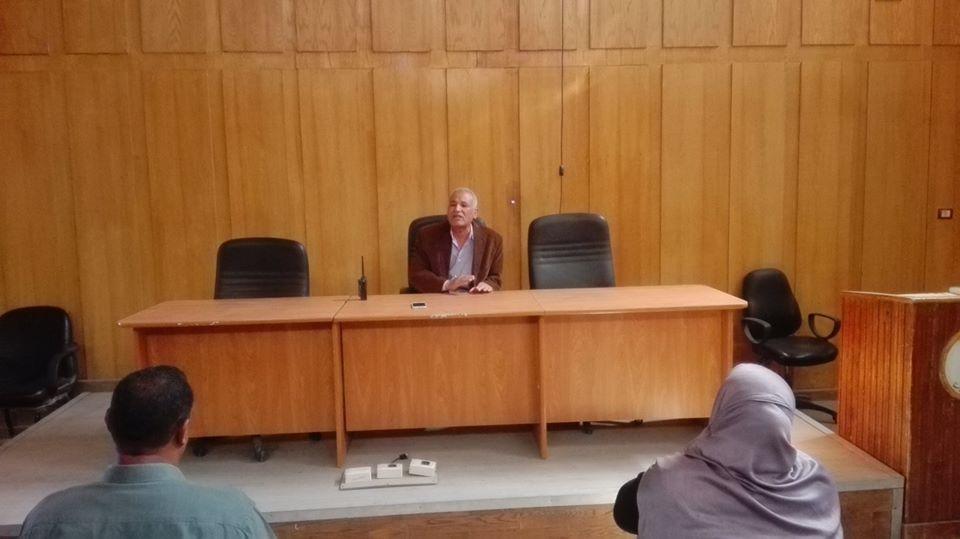 1رئيس مدينة إسنا يؤكد على عدم التهاون مع المقصرين بعملهم