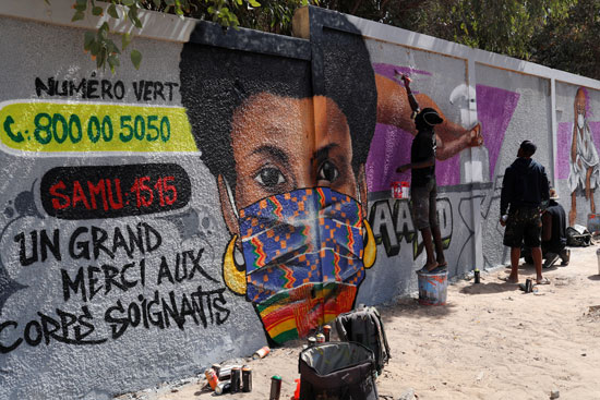 استخدام فن الجرافيتى لتوعية المواطنين في داكار بالسنغال