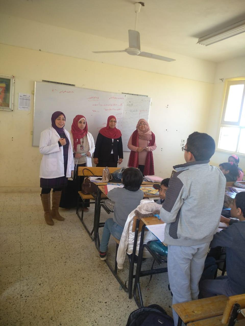 حملات توعية للطلاب لمواجهة فيروس كورونا