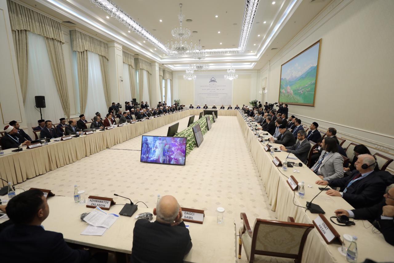 شيخ الأزهر بمؤتمر الماتريدي الدولي في أوزبكستان (1)