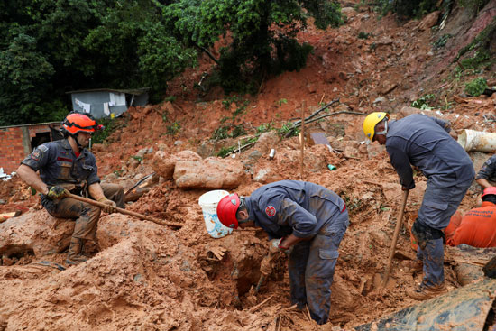 جانب من الانهيارات الطينية
