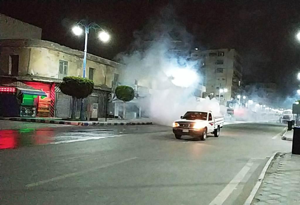 استغلال فترة حظر التجوال في تطهير شوارع مطروح (1)