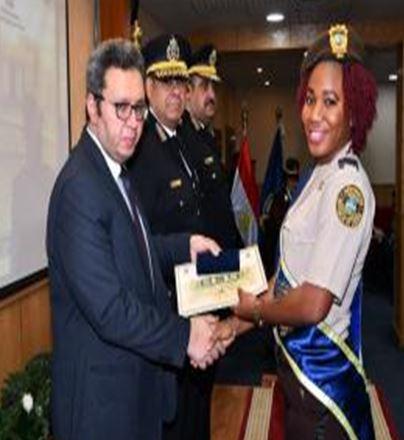 الشرطة النسائية الاقريقية