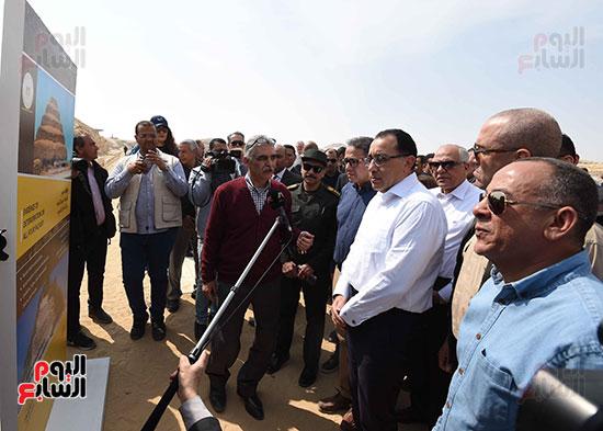 رئيس الوزراء يفتتح مشروع تطوير هرم زوسر بمنطقة سقارة