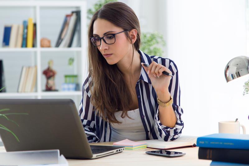 مميزات المرأة العاملة