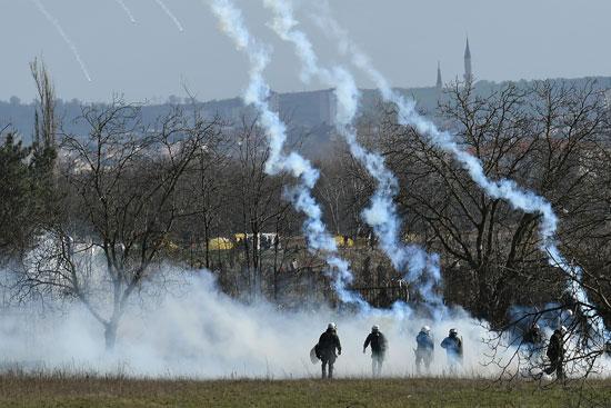 قنابل الغاز