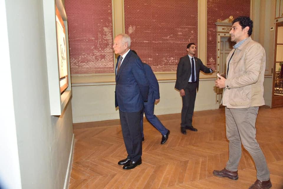 السيد أحمد أبو الغيط يزور معرض فاروق حسنى (10)