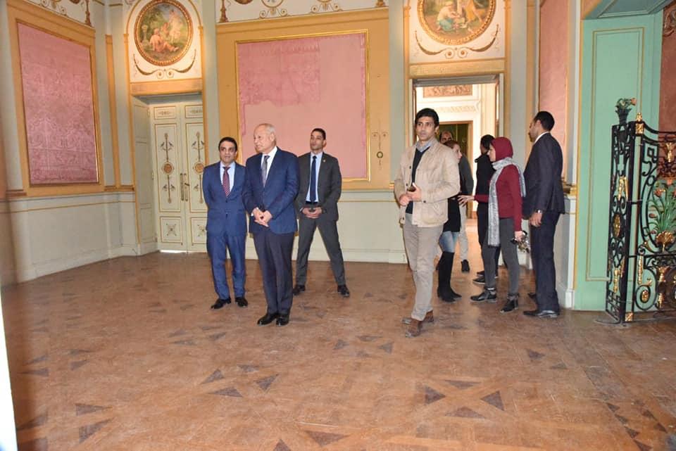 السيد أحمد أبو الغيط يزور معرض فاروق حسنى (4)