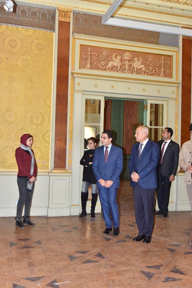 السيد أحمد أبو الغيط يزور معرض فاروق حسنى (5)