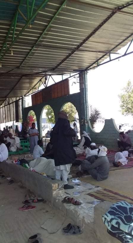 تقديم اللحوم للأشقاء السودانيين من شباب قرية بالاقصر