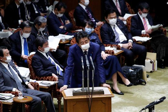 رئيس وزراء الايابن فى البرلمان