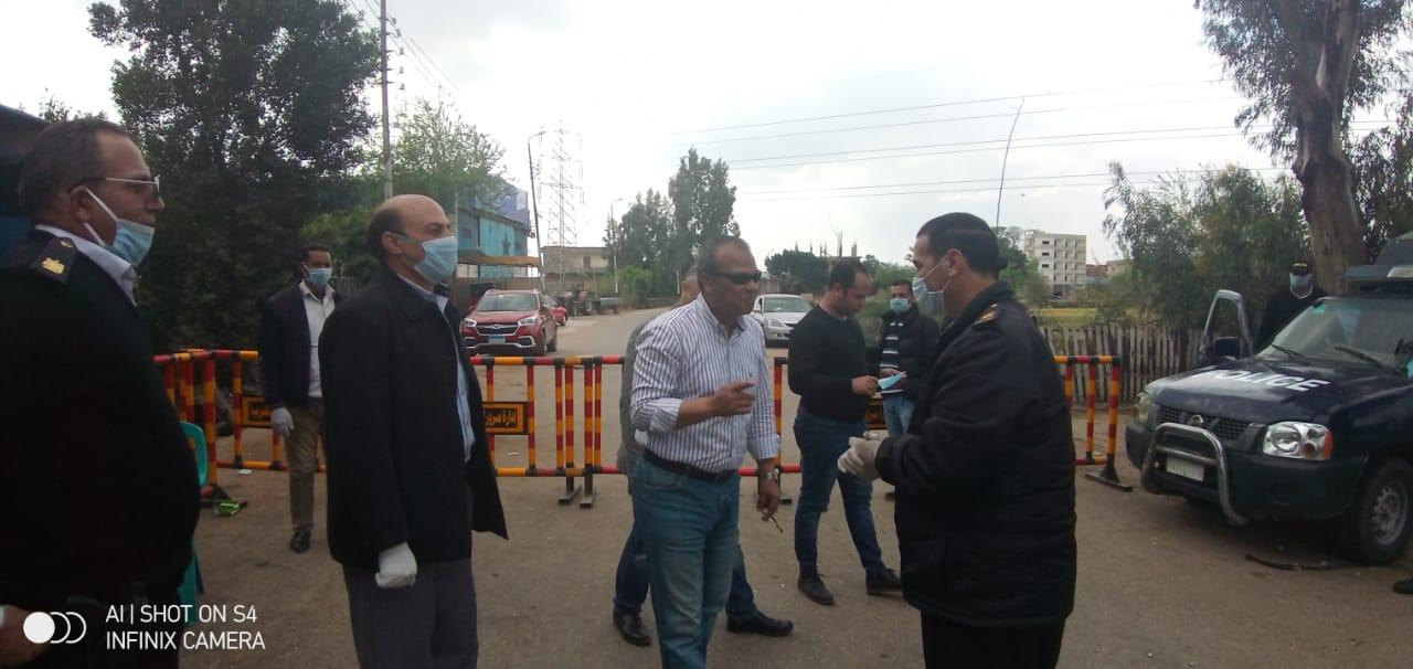 رئيس مدينة المحلة يتابع وصول سيارات السلع الغذائية