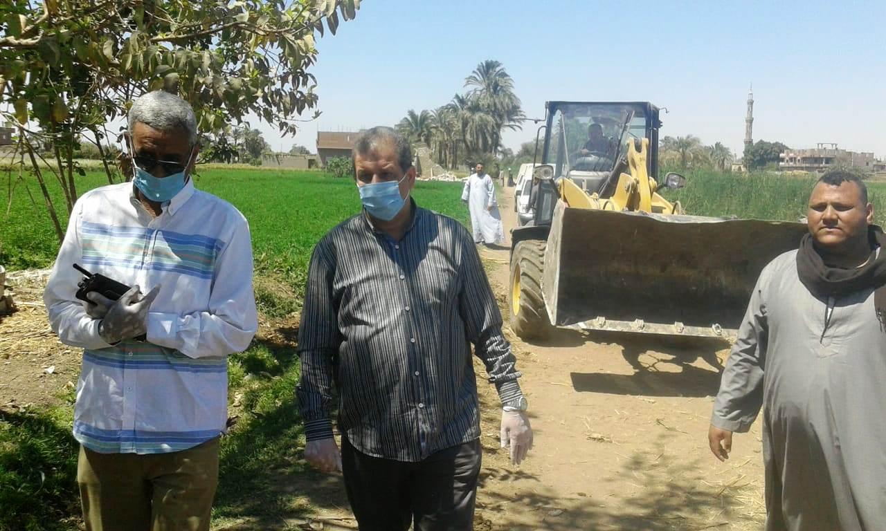 استمرار حملات إزالة مخالفات البناء والتعدي على الارض الزراعية بمراكز المحافظة (13)