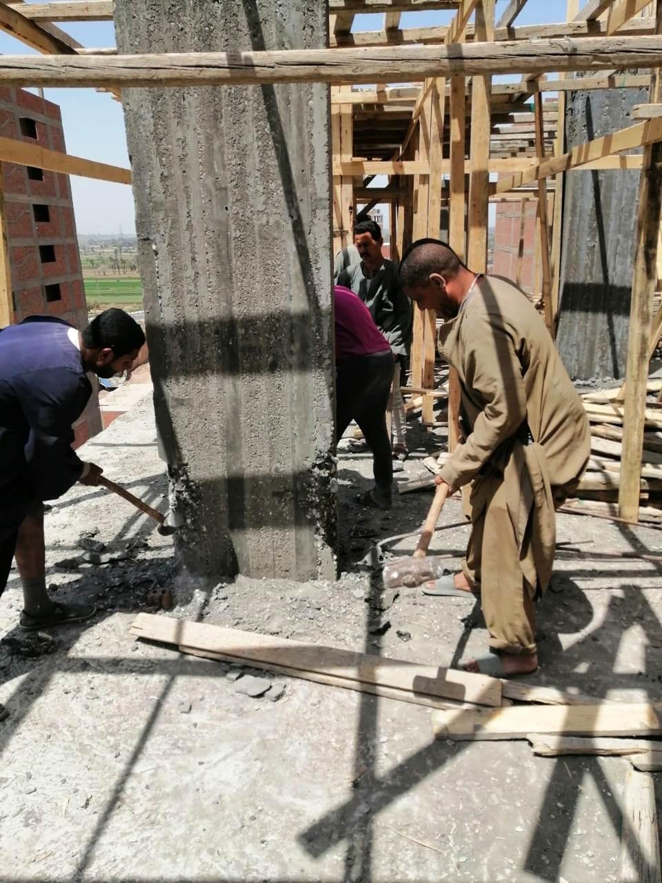 استمرار حملات إزالة مخالفات البناء والتعدي على الارض الزراعية بمراكز المحافظة (9)