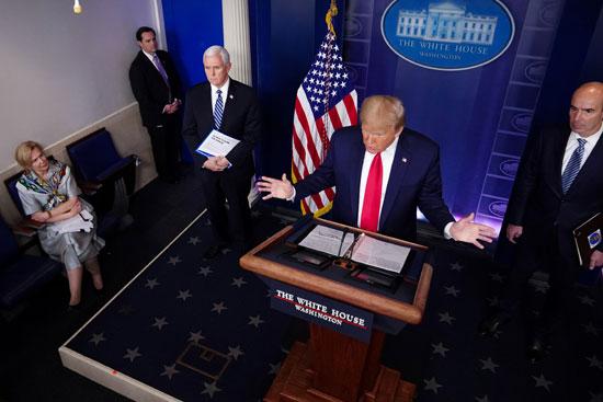 الرئيس الأمريكى يتحدث خلال المؤتمر الصحفى